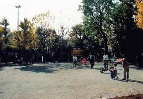 http://nakano-nabeyoko.gr.jp/monogatari/chapter1/6-211.jpg